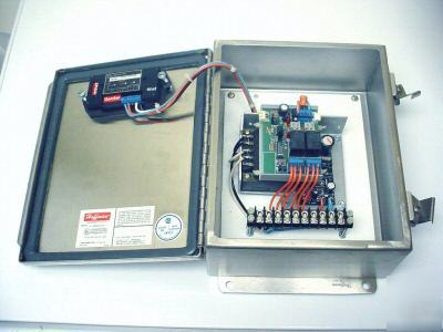 Lumenite digital meter\relay board\stainless enclosure