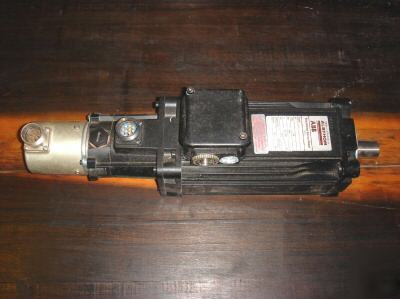 Abb Brushless Dc Servo Motor Lc420tl Encoder Brake