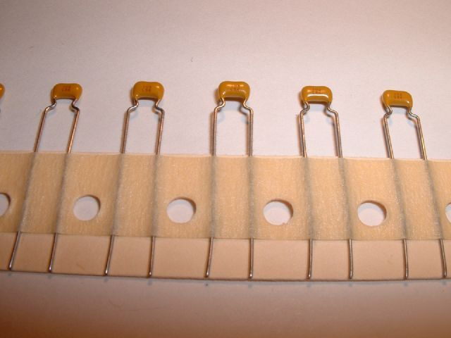 Capacitor 0 01uf 10nf 10000pf 50v X7r Avx